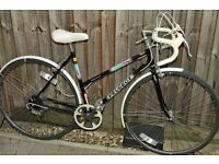 Vintage ladies Peugeot Monaco Road bike in excellent condition, 5speed, Small 48cm frame, Mudguards
