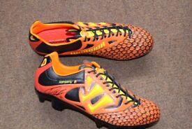 Man city VINCENT KOMPANY SIGNED boots warrior size 9 uk 43 eur £150