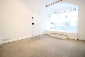Spacious Studio flat near Liverpool Street EC2