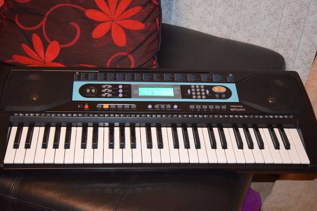61 KYS PM54KSB RECORD AN PLAY KEYBOARD CAN BE SEEN WORKING