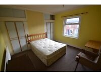Furnished large double room to rent let Melton Mowbray Leicestershire All bills included NO FEES