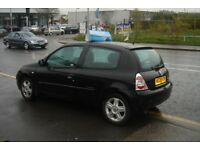 Renault CLIO 1.2 nice first car cheap to insure
