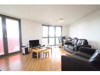 A 2 double bedroom 2 bathroom furnished flat, walk to Stratford station & Westfield, gym, concierge