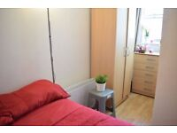 Double room in West Norwood. Available from 11/08
