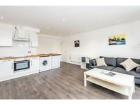 Large one bed flat available now**Call to view**Marylebone**Students are welcome