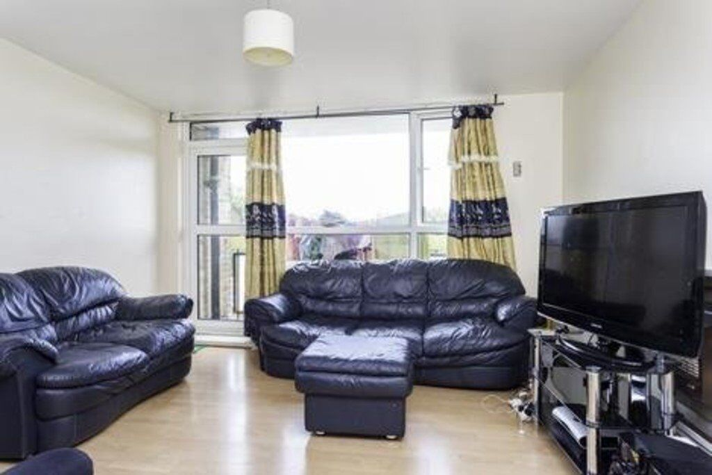 1 Bed Flat Available Asap Cheap Council Tax 4th Floor Fully Furnished Private Balcony