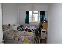 Amazing twin room in front of swiss cottage station
