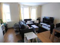 Large split level 3 bedroom/2 bathroom flat to rent in Harlesden, NW10
