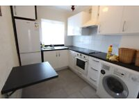 LOVELY, WELL PRESENTED 2 BEDROOM FLAT. IDEAL FOR SHOPS, AMENITIES, BUSES, TUBE, TRAIN. CALL NOW