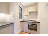 Well located 3 bedroom flat - moments from Fulham Broadway & Parsons Green