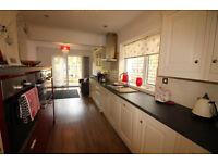 Stunning 2 bedroom ground floor flat in Clayhall