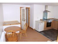 Forfar, DD8 1BQ. 1 bed first floor flat, great cond'n & locat'n, dble glazed, Gas Cent Heat, £375pcm