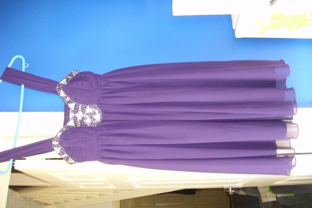 stunning lipsy dress 6in Wallasey, MerseysideGumtree - stunning cadbury purple lipsy dress size 6 pic dosent do it justice lovely detail on front great for wedding or prom if u want a short dress all my items i will discount for multi buy