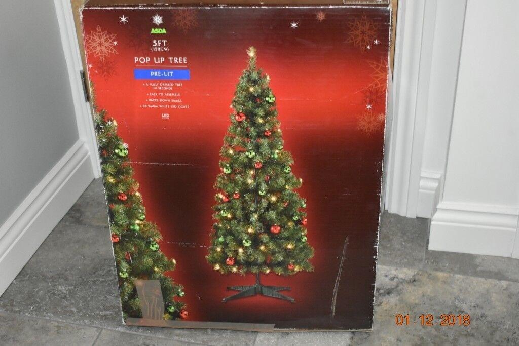 Prelit 5ft Christmas Tree