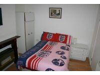 Liverpool House Share Rent Room Kensington 3 Bedroom Everything Furniture Bedding Heating Washr Safe