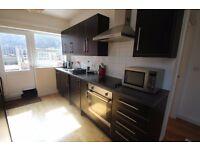 1 bedroom garden flat in Easton. £650