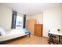 Amazing Large and Bright Double Room next to Westferry Dlr