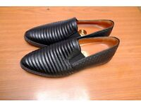 Rare Black Leather Women's Dande Style Ras Shoes / Size: 6