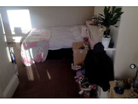 Large Double Room (with Ensuite) Available in Two-Bed Flat in Broomhill £315/month