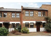 Four Bed House in Gated Mews with Parking and Garden. Easy Access to Canonbury & Highbury/Islington