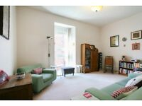 Ref 1473-1 bedroom flat on Slateford Road available from 01 July until 31st July!