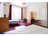 PERFECT TWIN Room for 2 friends ** WESTBOURNE PARK ** Available today