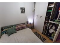 Beautiful 1 bedroom flat with parking bay