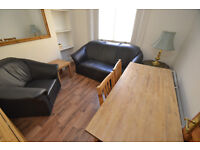 A well located three bedroom flat located moments from Old Street and the City of London.