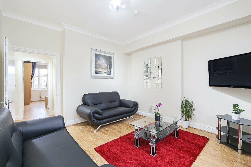 !!! Spacious two bedroom flat in Earls Court !!!!