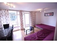 Stunning Three Double bedroom flat with Living room close to West ferry Available immediately
