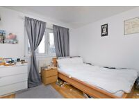 SUPERB 3 DOUBLE BEDROOM FLAT WITH LOUNGE AND EAT IN KITCHEN! MORNINGTON CRESCENT! STUDENTS! UCL, LSE