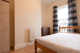 2 Good Rooms available L15 Bagot st. Nr Asda Smithdown rd, Great for City Centre Call 07989 55261
