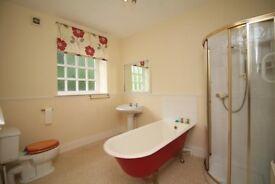 3 Bedroom Ground Floor Flat with Private Garden/Lovely Neighbours