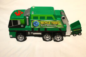 Road Rippers Motorized Refuse and Recycle Truck