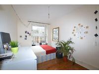 3 bedroom flat 2min walk from bethnal green station **September Let**