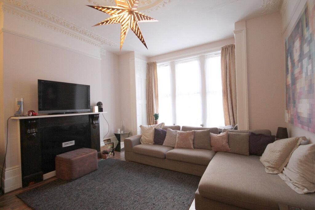 Stunning 2 Double Bedroom in the heart of Finsbury within a short walk of Finsbury Park Station