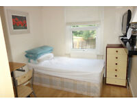 NICE ROOM in Wood Green, N22, in a gay guys house share