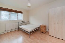 4 bedroom flat available in OLD STREET centrally located available now!! perfect for sharers
