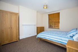 LARGE ROOM FOR RENT,PRO HOUSE SHARE,ALL BILLS INC,NO DEPOSIT,WIFI,CLEANER,FULLY FURNISHED,NEW DECOR