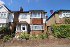 Large 3 Bedroom Family House Available in Northfield / Ealing