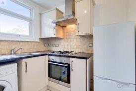 Beautiful Newly Refurbished Bright Studio Flat to Rent in East Croydon. Furnished or Unfurnished.