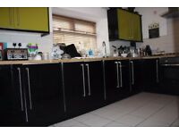Room Share-Richmond-Professionals-Bills Inc-Wifi-Homely-Garden-20th Sept-£345pcm-Room 1