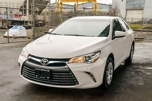 2015 Toyota Camry LE Only 42,000Km