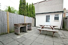 MASSIVE FOUR BEDROOM HOUSE WITH GARDEN - MUST BE SEEN! - CALL RICCARDO NOW TO VIEW!!!