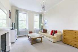 2 bedroom flat in Nevern Square, Earls Court, SW5