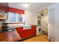 Rosendale Road - Two bedroom conversion flat to rent in the heart of West Dulwich.