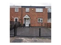 LARGE THREE BEDROOM HOUSE WITH HARDEN AND DRIVEWAY CALL NOW