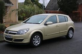 Vauxhall Astra 1.6 Club 5 Door Gold Automatic *** Low Mileage - Good Condition ***