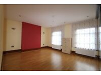 ***Lovely 4 bedroom House with a garden***