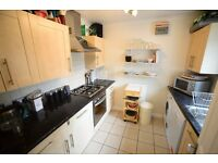 2 Double Bed Furnished House in Southmoor, Off street Parking, Garage, Garden, Double Glazing, WIFI
